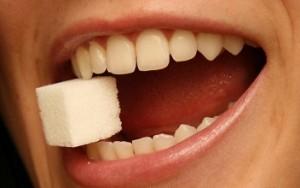 suikerklontje in mond