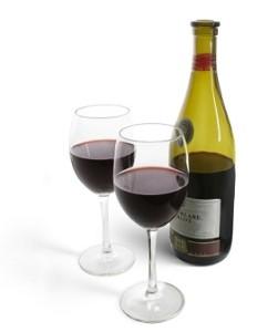 fles wijn en twee glazen
